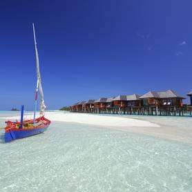 OLHUVELI BEACH RESORT & SPA 4*